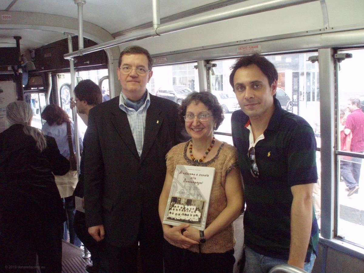 Lina Pennisi e Milo Julini con l'attore Matteo Brancaleoni.