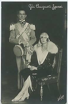 Gli Augusti sposi: Maria José del Belgio e Umberto di Savoia.